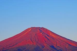 日本季節限定  赤富士甚麼時候先睇得到?