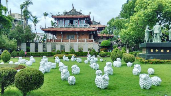 「詩步領羊」現身 台南 赤崁樓 童趣活化古迹 2