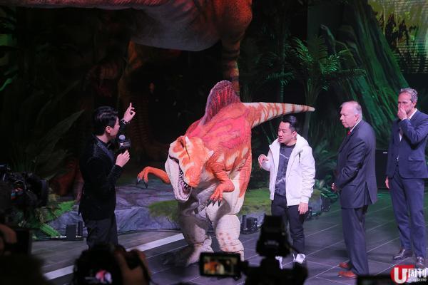 澳門恐龍互動展 搶先睇! 免費玩 VR 拍特技短片 2