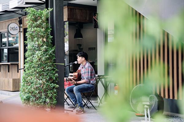 曼谷新興區 10 間超好 hea cafe 推介 1