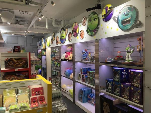 巨型三眼仔夾娃娃機! 台灣Pixar主題快閃店 11