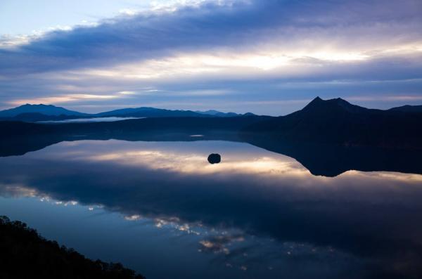 走進超魔幻美景 日本「天空之鏡」6選 1