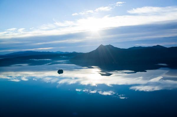 走進超魔幻美景 日本「天空之鏡」6選 2