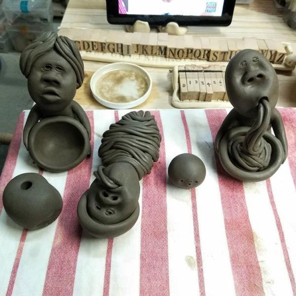 用鼻孔吸麵醜到爆! 日本古怪造型陶器公仔惹笑網民 3