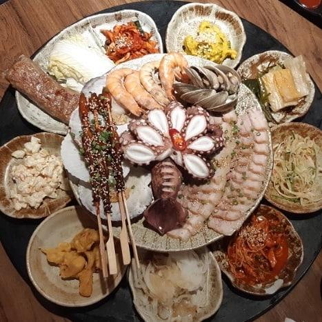 重量級海鮮菜包豬肉! 韓國大王海鮮菜包肉店 4