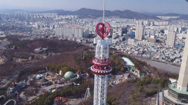 韓國最高跳樓機於大邱即將開幕 時速124公里急墜30層樓!